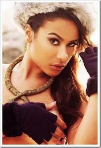 Quando assumiu o affair com Naymar a modelo de 20 anos foi destaques em sites de fofocas