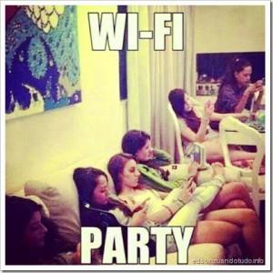 zuando o wifi: a festa vi ser na sua casa porque lá é 120MB