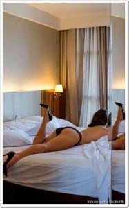 Taiana Camargo nua na revista Playboy de janeiro